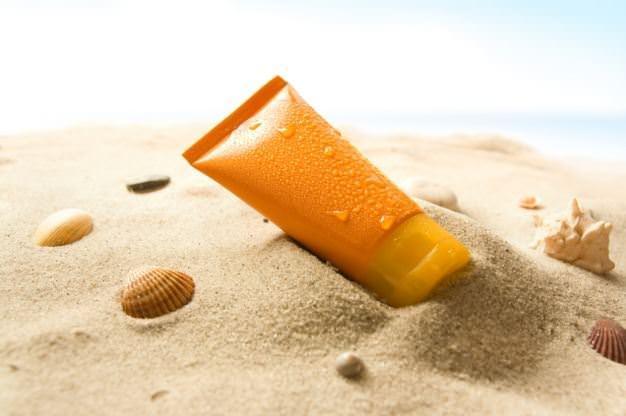 Antioksidan Etki  Bazı güneş kremlerinin içeriğinde yer alan çeşitli maddelerin güneşle temas ettiğinde aslında cilde zarar verebileceğine dair söylentileri siz de duymuş olabilirsiniz.