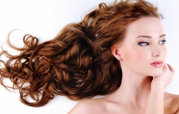 Fındık Yağının Saça Faydaları  Fındık yağı tıpkı bir saç kremi gibi saçları yumuşatır ve bu arada saç köklerinin güçlenmesine yardım eder.
