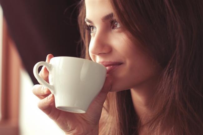 * Alkol ve asitten uzak durma: Alkol, asitli içecekler, kahve, demli çay ya da kafein içeriği yüksek içeceklerin tüketiminden mümkün olduğunca kaçınmak gerekir. Su, bitki ve meyve çayları, taze meyve suları, tuzsuz ayran ya da az yağlı süt gibi sağlıklı içecekler tercih edilmelidir.