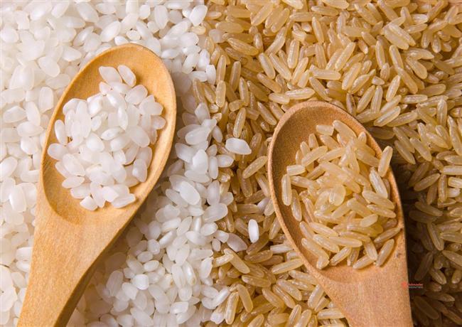 * Mikrodalga kullanıyorsanız, sağlıksız bir beslenme olasılığınız yüksektir. Tavuk, sebze ya da esmer pirinç kullanmayı deneyin. * Ofiste kendinize ait atıştırmalık bir kutu bulundurun.