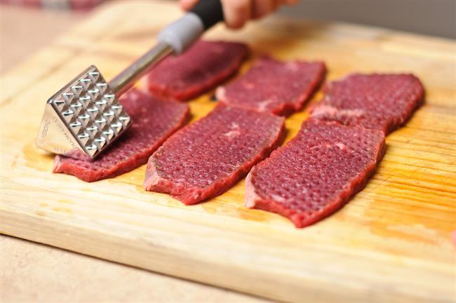 * Pişireceğiniz eti önceden dövün. * Kilo verme sürecinde ilerleme kaydedemezseniz, rutin olarak yaptığınız egzersizi 5'şer dakika artırın.