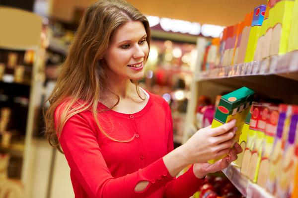 * Yiyecek etiketlerini inceleyin. Porsiyon başına 4 gramdan fazla olan yiyeceklerden uzak durun. * Tartınızın yerine mezura kullanın. Kadınlar 82.5 cm, erkeklerse 90 cm'nin altını hedeflemelidir.