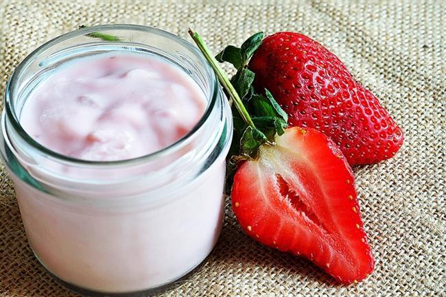 * Egzersiz öncesinde dondurulmuş çileği yoğurtla karıştırarak yiyin. * Yumurta veya tavuk gibi tatsız proteinlere, metabolizmayı hızlandıran acılı sosla hayat verin.