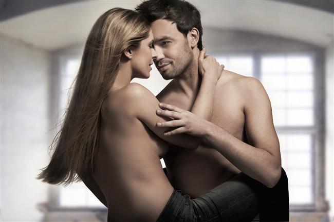 İsteklerinizi açıkça söyleyin  Seksle ilgili zamanla öğreneceğiniz en önemli şeylerden biri de açıklık! Partnerinize isteklerinizi söylemekte ya da göstermekte ne kadar açık olursanız o kadar çok zevk alabilirsiniz. Cinsel hayatınızın başlarında isteklerinizi kolayca söyleyememeniz doğal, ancak bunu ne kadar çabuk aşarsanız cinsel hayatınız için o kadar iyi olur. Özellikle bu yaşlarda partnerinizin de sizin kadar tecrübesiz olduğunu göz önüne alırsak, ona biraz yol göstermeniz iyi olacak.