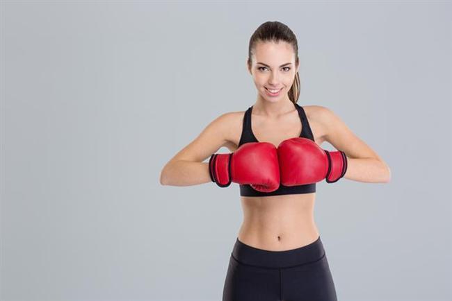 Yumruk atın  Kick boks yaparak 10 dakikada yaklaşık 107 kalori yakmanın mümkün olduğunu daha önce hiç düşünmüş müydünüz? Boks ile birlikte kardiyo çalışmaları da yapabilirseniz daha iyi sonuçlar almanız mümkün.