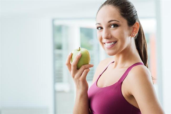 Kilo vermenin SİHİRLİ yolu; hayatımızın her alanında olduğu gibi, dengeyi sağlayabilmektir. Başarılı bir diyet için öncelikle dengeli beslenmeyi öğrenmeniz gerekiyor. Enerjinizi, modunuzu ve metabolizmanızı hızlandıran taktiklerle desteklenen bir diyet programı ile sağlıklı yaşam şekline geçişiniz kolaylaşacaktır.  İşte diyetinize adapte olmanın 5 altın kuralı...  Uzman Diyetisyen Gamze Şanlı Ak