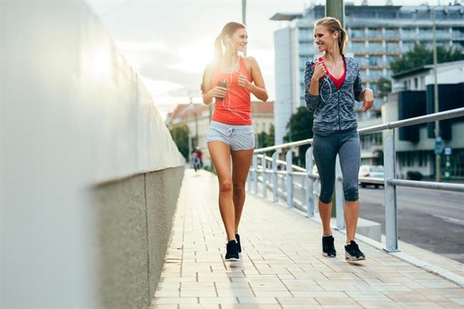 Miskinlikten kurtulun ve hareketi hayatınıza sokun.  Araştırmalar fit bir vücut için diyet yanında mutlaka egzersiz yapmanın da önemli olduğunu kanıtlıyor. Haftada 3-4 kez yürüyüş, koşu, bisiklet, yüzme, dans gibi kardiyo egzersizlere ilave olarak pilates ve yoga yapabilirsiniz.