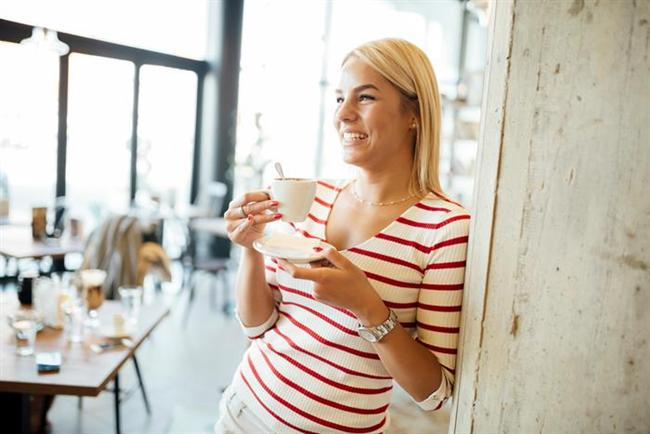 - Doygunluk hissi sağlamak için; ayaküstü atıştırma, televizyon seyrederken, telefonda konuşurken, bir yerden bir yere giderken takside veya arabada yemek yememeye çalışın.  - Öğün atlamamaya özen gösterin. Böylece kan şekerin dengede kalır, metabolik hızınız artar, açlığınızı daha kolay kontrol altına alabilirsiniz.  - Porsiyon ölçülerinizi küçültmeyi deneyin. Ana yemek için küçük, salata için büyük tabak tercih edin.  - Omega 3 kaynağı olan balığı, haftada 2-3 gün mutlaka tüketmeye çalışın. Eğer tüketemiyorsanız hergün 1000 mg Omega 3 takviyesi alın.  - Çay ve kahvede şeker kullanıyorsanız bırakın. Günden 5 şeker eksik alarak yılda 5 kg zayıflarsınız.