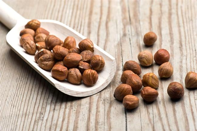Fındık  Vücuda kuvvet verir. Kalp rahatsızlıklarının en önemli nedeni olan yüksek kolesterolün düşürülmesinde en önemli ilaçtır. İnsan vücuduna yaralı kalsiyum, demir, karbonhidrat, yağ ve çinko ile metabolizmayı düzenler, kemiklerin gelişmesini sağlar. E vitamini açısından zengindir. Kansızlığa karşı koruyucu etki yapar. Kanser yapıcı etmenlerin oluşmasını önle