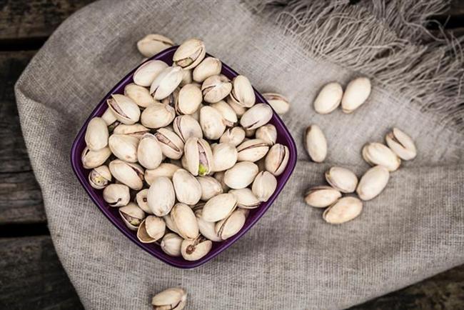 Antep fıstığı  Antep fıstığında kolesterol yoktur. Kandaki kolesterol seviyesini düşürür. Kroner kalp hastalığı riskini azaltır. Antep fıstığı, protein yönünden 2 kat, fosfor yönünden 4 kat etten daha üstündür. İnce bağırsakta glikoz emilimini azaltır ve kan şekerinin yükselmesini önler.