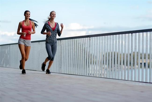 - İftar öğününden 1- 2 saat sonra 3 öğün mahiyetinde taze meyve ile birlikte ceviz, fındık, badem gibi yağlı kuruyemişleri tüketmelisiniz.  - Kendinizi iyi hissediyorsanız, iftardan sonra hafif tempolu kısa bir yürüyüş yapın. Açık havada orta tempolu bir yürüyüş ile gündüz yavaşlayan metabolizmanızı aktifleştirebilirsiniz.