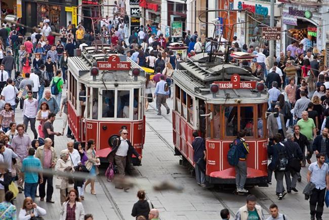 Asmalımescit ve Beyoğlu  Asmalımescit'i yeniden keşfetmek. İstanbul'un kalbi Beyoğlu'nda eskiyle modernin kesiştiği bir mekânda biraz sohbet, biraz eğlence sizi bekliyor.