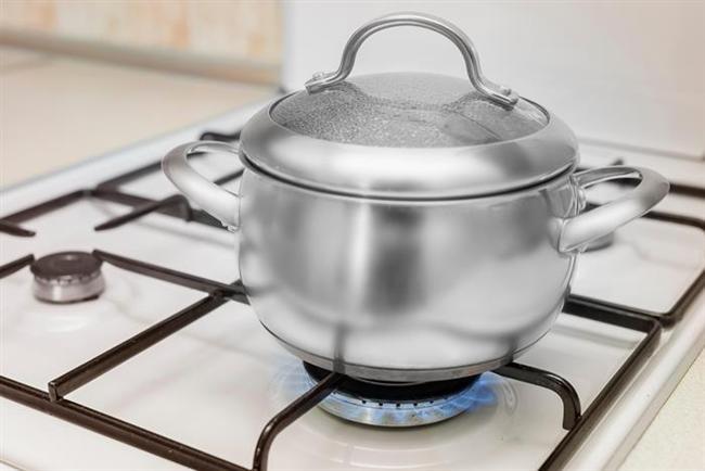 * Buğulama da yapılabilir, en sağlıklı pişirme yöntemlerinden biridir.  * Yemekleri pişirirken çok az su konacak. Böylece hem besin değerleri korunuyor hem de daha lezzetli oluyor.