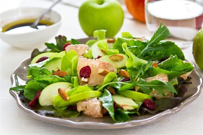 * Sebze, meyve, balık ve etler doğal olarak tüketilmelidir. Tüketilen yiyeceğin doğal ve bütün olmasına dikkat edilmelidir.  * Tüm işlenmiş yiyecek ve gıdalardan uzak durulması şarttır. İşlenmiş bütün yiyeceklerde aşırı miktarda trans yağ ve gizli şeker (früktoz) bulunur.