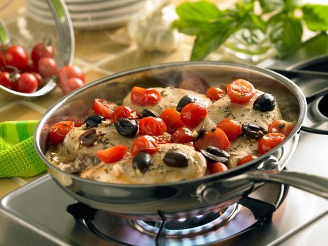 * Yemekler çok yüksek ısıda pişirilmemeli, ayrıca unlu terbiye yapılarak hazırlanmamalı!  * Yemekler düşük ısıda, uzun sürede pişirilmelidir. Ancak malzemeler çiğden hep birlikte tencere veya tepsiye konup, ocakta ya da fırında pişirilmeli, yağda soğan veya biber öldürme gibi yöntemler uygulanmamalıdır. Özellikle güveç yaparken önce tencerede kavurma, sonra fırında pişirme gibi iki farklı pişirme şeklinin bir arada olmaması gerekiyor!   Ya tencere (mümkünse basınçlı tencere) ya da fırın tercih edilmelidir! Pişirme süresi çok fazla uzayıp, ısıya maruz kalma şekli değişip, ısı derecesi arttıkça, lezzet katayım derken yemekteki faydalı vitamin ve mineraller ölüyor, yemeğin glisemik indeksi yükselebiliyor.