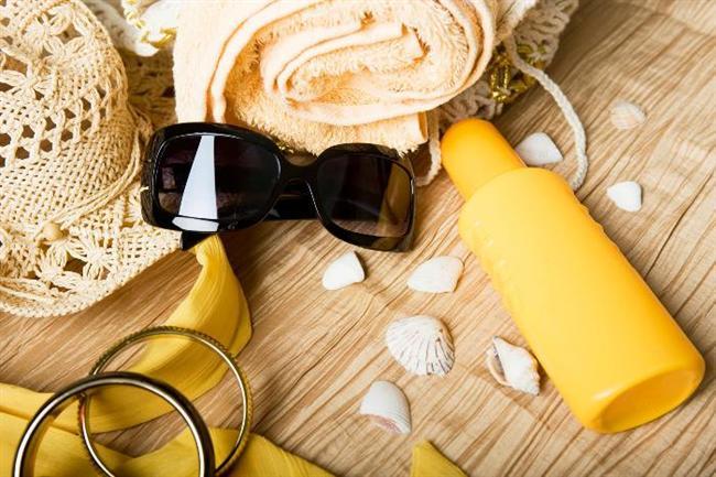 Güneş koruyucu kremleri uzun yıllar kullanmak   Güneş koruyucu ürünleri paketi açmamışsanız 3 yıl içinde tüketilmelisiniz. Uygun koşullarda sakladığınız krem veya losyonları açtıysanız en geç bir sonraki yıl tüketmeniz gerekiyor. Ayrıca ısıyla etkileri azalacağı için ürünleri arabada veya güneş altındaki plaj çantasında tutmayın.