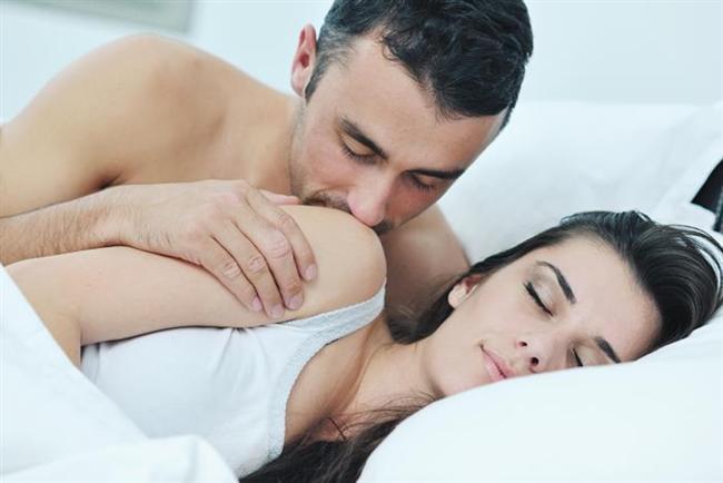 TERAZİ (22 Eylül- 22 Ekim)  Geçmişiniz  25 yaşına gelmeden hayalinizde zaten birkaç kez ya nişanlanmış ya da evlenmişsinizdir. Beyazlar içinde büyük bir düğün fikrine aşıksınız ama erkeklerin neden sizinle aynı hisleri paylaşmadığını anlayamıyorsunuz. Yatak odası sırlarınız  Çirkin pozisyonlardan veya feminen olmadığını düşündüğünüz pozisyonlardan nefret ediyorsunuz. Yatakta yaptığınız her şeyin yoga veya bale pozuna benzememesi halinde tahrik olamıyorsunuz. Yaramaz yanlarınız  Aşka aşıksınız ve sadece Sevgililer Günü'nde kart ve çiçek almayı garantilemek için bir ilişkiyi devam ettirebilirsiniz. Evliliğe olan düşkünlüğünüzü gizlemeye çalışıyorsunuz ama genelde bu açığa çıkıyor.