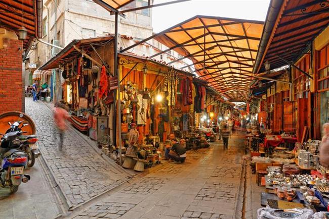 İşin ilginci Beyran çorbası Antep'te kahvaltı olarak servis ediliyor. Normalde sabah saatlerinde acılı etli yemekler belki biraz ağır gelebilir bazılarına ama Antep'in atmosferinde her saatte her lezzet gayet iyi gidiyor.