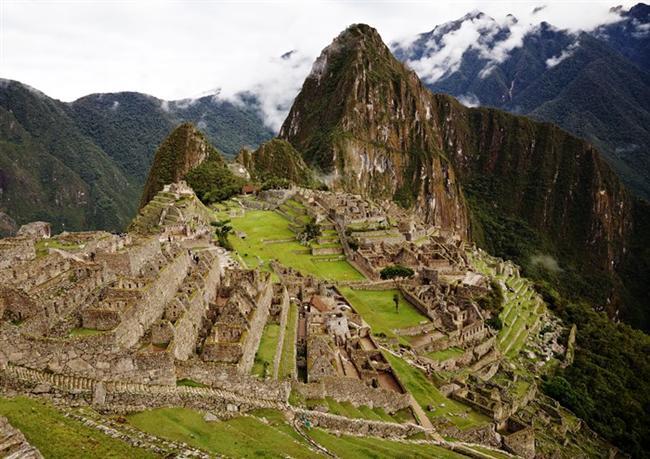 Peru   Peru gerçekten ziyaret edilesi bir yerdir. Ucuz bir yer arıyorsanız Peru'yu kesinlikle rotanıza eklemeniz gerekir. Yağmur ormanları, harabeler ve plajlarla dolu. Lima ziyaretinize başlamak için ilk durağınız olabilir. Ayrıca burada pek fazla plan yapmanıza gerek yok. Bir harita, biraz İspanyolca ve bir çift dağ ayakkabısıyla, hayatınızın deneyimini yaşayabilirsiniz.