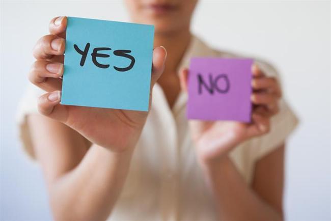 """Karşısındakini kızdırmak ya da kırmak istememek için """"sürekli onaylamak"""" da başka bir kötü alışkanlıktır. İlişkinin heyecanını yok eder."""