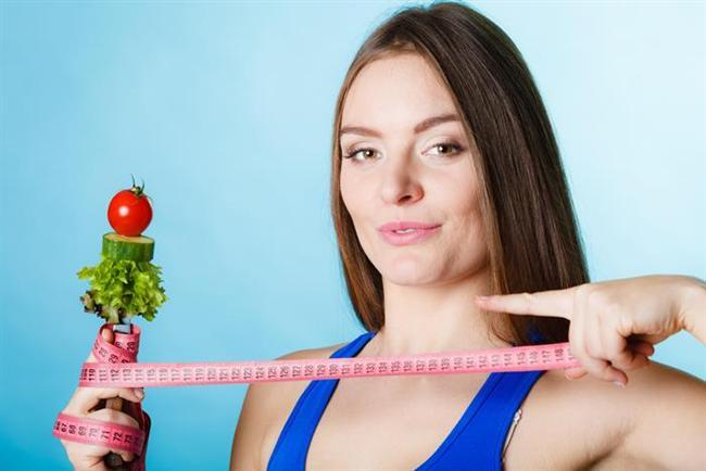 Yaz aylarında olabildiğince hafif, olabildiğince ince olmak için ne yapmalı, nasıl beslenmeliyiz?   İşte hızlı kilo vermenin püf noktaları...