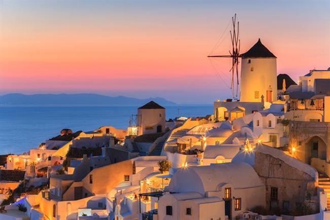 Boğa (20 Nisan- 20 Mayıs)    Seçiminiz: Gideceğiniz yerde yemekler muhteşem bir manzara eşliginde acele edilmeden yenmeli ve yerel halkı sizi büyülemeli.    Gidebileceğiniz yer: Yunan adalarındaki halk misafirperverliğiyle ünlüdür. Burada kendinizi evinizdeymiş gibi hissetmekten başka çareniz yok.    Haftasonu kaçamağı: Bodrum'da size hitap eden birçok güzel koy ye küçük köy var. Ayrıca konforlu otelleri ve gece hayatıyla hoş bir haftasonu geçirebileceğiniz bir belde.    Gidilmemesi gereken yer: Fas, konfora çok düşkün olan Boğalar'ı rahatsız eder. İki kişi, üç farklı kültür ve fiks olmayan fiyatlar, değişikliği fazla sevmeyen Boğalar için hoş olmayabilir.