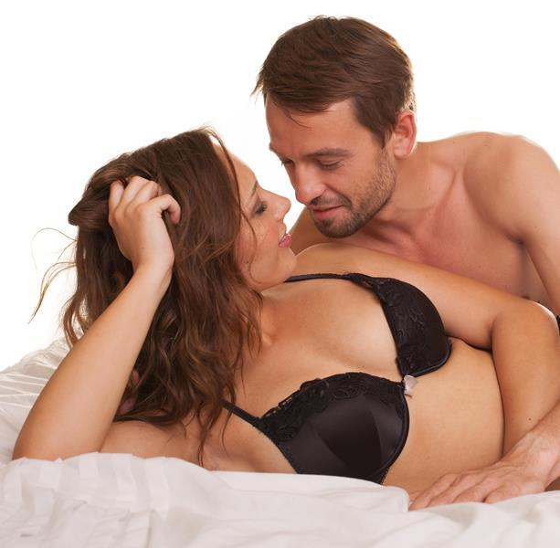 dve-krasotki-i-paren-porno-video