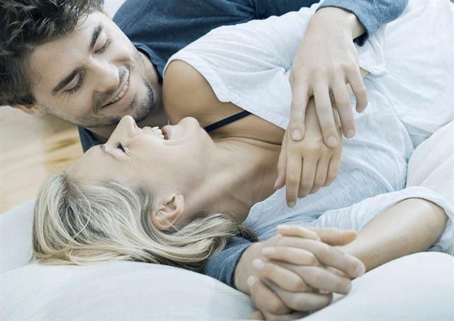 C - Ç  Sosyallik paçalarınızdan akıyor. Siz flörtsüz de duramazsınız. Sevgiliniz yandı her an yanınızda olmak zorunda. Tamam, duygulu ve duyarlısınız ama seks de önemli değil mi? Biraz bencilsiniz, ne ayıp, sanki eşiniz, sevgiliniz size tapmak zorunda! Seksi sevmenize rağmen çok uzun süre hayatınızda seks olmadan yaşayabilirsiniz.  D  Kafaya takmaya görün! Onu mutlaka elde edersiniz. İmkânsız olsa bile kolay kolay vazgeçmezsiniz. Yardımseverliğin bu kadarı da fazla. Popülerliğinizin kaynağı da bu. Sıfatlarınız şunlar: Seksi, sadık, kıskanç ve bencil.