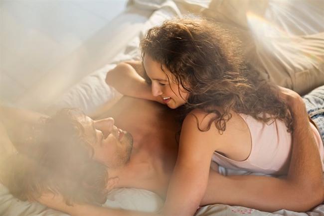 G  Sizin için söylenecek iki sözcük: Müşkülpesent ve ayrıntıcı. Biraz özentisiniz. Statüsü sizden yüksek insanlarla ilişki kurmaya bayılıyorsunuz. Ayrıca bir özelliğiniz daha var, erotizmin zirvesine nasıl ulaşabileceğinizi iyi biliyorsunuz.  H  Sürekli bir arayış içindesiniz. Üstelik ne aradığınızı da biliyorsunuz: Sizi her yönden zenginleştirecek bir partner. Onun için her şeyi yapabilirsiniz. Ama buna yatırım gözüyle yapmanız iyi değil. İtiraf edin bazen yapıyorsunuz!