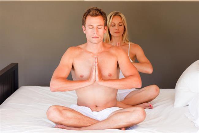 Bunu deneyin: İşten eve gelince, TV seyretmek için koltuğa yayılmadan önce bir iki zindelik verici yoga hareketi, birkaç mekik veya şınav deneyin.