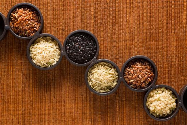 * Tam tahıllar: Özellikle bulgur ve diğer tahıl ürünleri iyi bir magnezyum kaynağıdır. Magnezyum kasların gevşemesini sağlar ve sağlıklı bir kan dolaşımına yarıdımcı olan bir mineraldir.