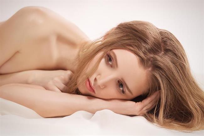 Vajinismusun kesin tanısı için jinekolog muayenesi şarttır!   Vajinismus hastalığının kesin tanısı cinsel terapiler konusunda deneyimli bir jinekolog tarafından yapılan, son derece kısa süren, ağrısız bir jinekolojik değerlendirme sonucunda konulmaktadır. Yapılan aslında basit ve kısa bir değerlendirmeden ibarettir. Bu son derece önemli değerlendirme kesinlikle son derece ağrısız, acısız bir uygulamadır, herhangi bir alet kullanılmaz ve bir dakikadan kısa sürer.