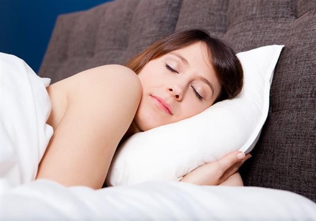 Uyurken hapşırmak imkansızdır. Hiç bir deneyde bu gerçekleştirilememiştir.