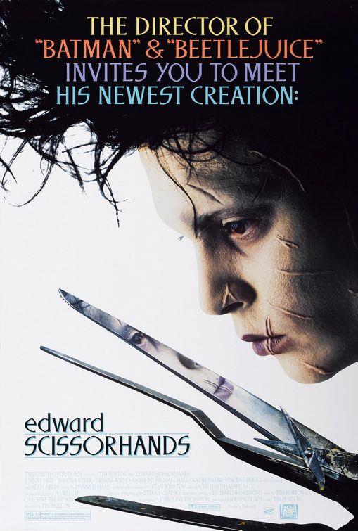 Edward Scissorhands – Makas Eller – 1990   Mucidinin ani ölümü, Edward'ın elleri yapılmadan yarıda kalmasına yolaçar, elleri yerine uzun, keskin metal parçaları vardır. Edward merhametli bir Avon hanımefendisi onu ailesiyle beraber yaşamak üzere evine götürene kadar karanlıkta yalnız yaşar. Ve sonra da Suburbia isimli pastel cennetteki fantastik maceraları başlar.