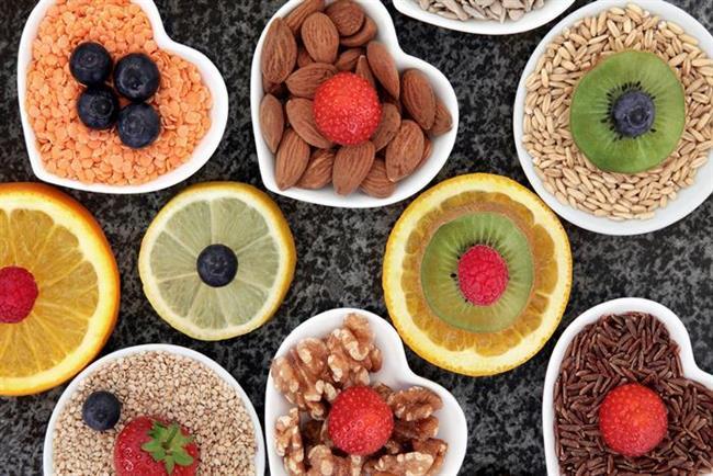 - Detoks programlarının; sadece su, çay ve sebze-meyve sularını içeren total oruç, asitli besinleri tüketmemeye yönelik olan bazik oruç, sadece pişmemiş gıdalar ile beslenmeyi destekleyen tek yönlü program ve haftanın bir günü hiçbir katı yiyeceği içermeyen program olmak üzere 4 farklı çeşidi mevcut. Şu an ulaşabileceğiniz birçok detoks programı da bu 4 çeşitten yararlanılarak hazırlanmış programlar.