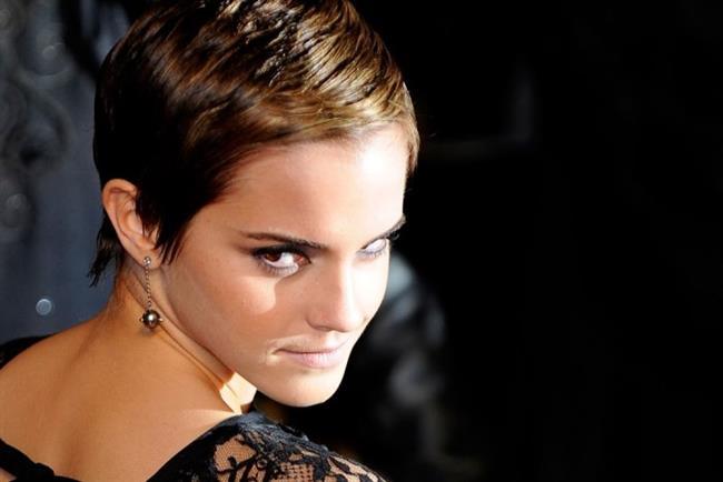 Emma Watson'ın Harry Potter filmilerinden sonra kestirdiği saçları hem çocuksu, hem kadınsı. Bu model genç yıldızın büyümesine de yardımcı oldu.