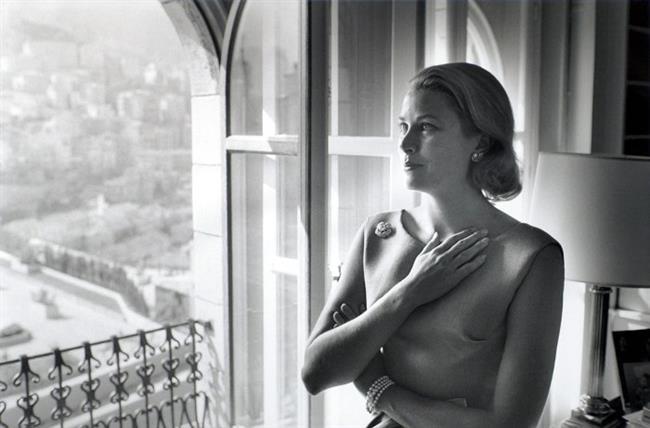 Grace Kelly'nin bu arkaya doğru taranmış kusursuz bob kesimi ünlü yıldızın zarafeti ile özdeşleşti.
