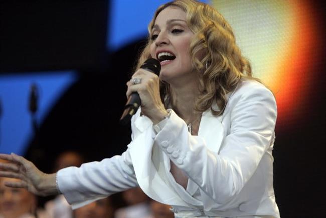 Doğrusunu söylemek gerekirse bu listenin tamamını Madonna'nın yıllar içinde denediği saç modellerinden oluşturabilirdik. Kendisi daimi saç ikonumuz. Ama bu seferlik sadece bir tek saç modelini seçtik.