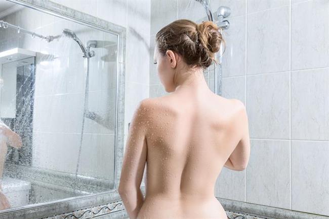 Duşta   Sıcak su kaslarınızı rahatlamışken, ileri – geri – yukarı – yana hareketlerle esnetme egzersizleri yapın.