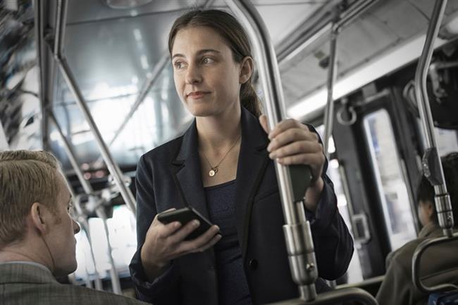 Otobüste ya da kuyrukta beklerken   Ayak parmakucunda yükselme ya da hafif bir şekilde leğen kemiği ve kalçaları sallama egzersizi yapın. İnanın, kimse fark etmez!