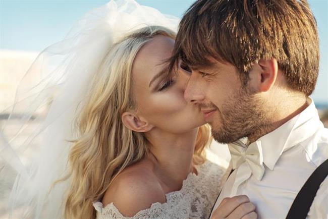 Araştırmaya göre 25 yaşında evlenen birinin boşanma ihtimali 20 yaşında evlenen birinden %50 daha az. Duygusal olgunluğa erişememenin yanında, eğitimsizlik de boşanmaların ana faktörlerinden biri.