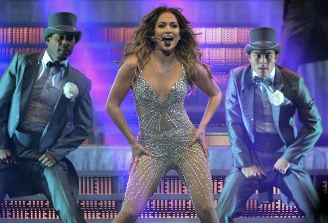 Jennifer Lopez Odasının tamamen beyaz olmasını talep eden Jennifer Lopez, domates, elma ve üzüm suyu görmeye ise tahammül edemiyor.