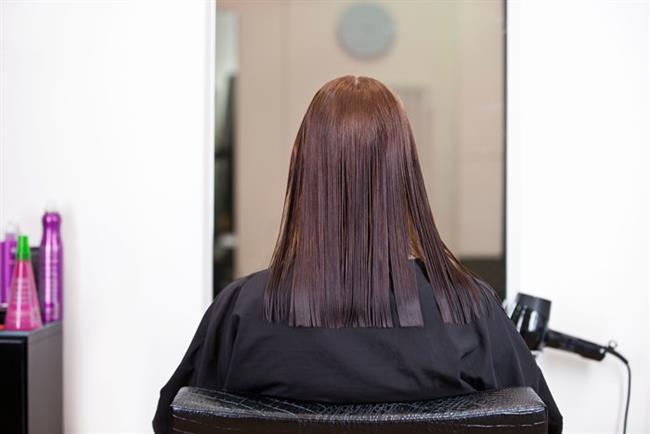 Saçları Bir Boy Kestirmek   Tek kat düz kesim, her tarafı eşit uzunlukta olan saç sizi yaşlı gösterir.