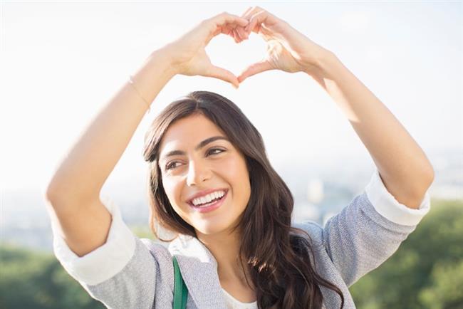 9- Kendinize; neşe, mutluluk, dinamizm ve yüce soylu bir 'ben' yükleyin.