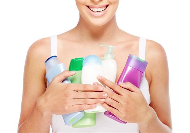 Sülfatsız şampuan kullanın   Sülfatlı şampuanlar tuz içerir ve renk, nem kaybına sebep olurlar. Sülfatsız şampuan kullanın.