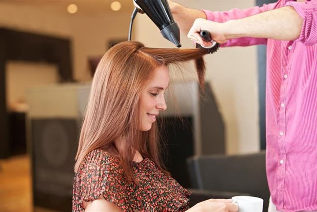 Islak saça fön kullanmayın   Saçlarınız çok ıslaksa ısıya direkt maruz bırakmayın, kırılır ve yıpranırlar. Havlu ile nemini aldıktan sonra kurumaya yakın fön ya da düzleştirici uygulayın.