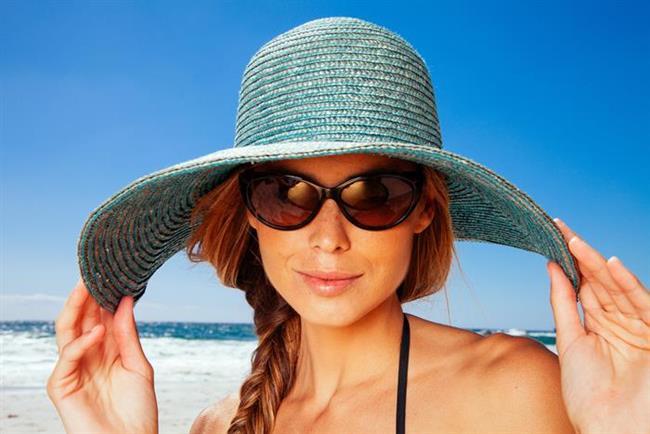 Güneş koruyuculu ürünler kullanın   Yazın saçlarınızı mutlaka güneşin zararlı ışınlarından koruyacak SPF'li saç bakım ürünleri kullanın.