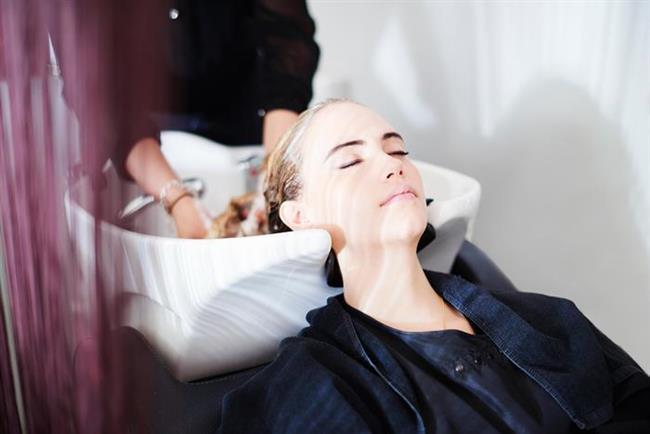Boyadan sonra hemen yıkamayın   Saçınızı boyattıktan sonra yıkamak için en az 48 saat bekleyin. Renk iyice saça oturur.