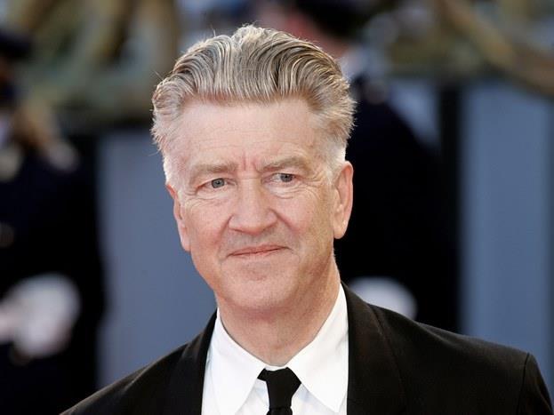 David Lynch  David Lynch zor filmlerin yönetmeni bunu kabul etmek lazım. Ancak o kadar iyi filmler yaptı ki kült mertebesine yaşarken çoktan ulaştı. Filmlerini anlamak zor olsa da bu kaliteleri asla eksiltmez. Onun da şimdiye kadar çoktan yıldız sahibi olması gerekirdi çoktan.