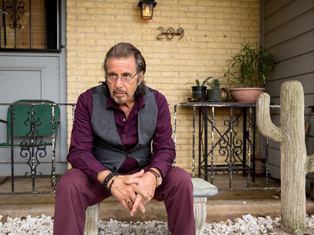 Al Pacino  Baba serisi desek? Şeytanın Avukatı filminde çizdiği şeytan karakteri desek? Bu adamın oyunculuğunu sorgulayan çarpılır. Çok büyük rollerin büyük akötrü Al Pacino da yıldızı parlamayanlardan olmuş. Kendisinin çok umurunda değildir ama hayranları olarak biz biraz bozuluyoruz.